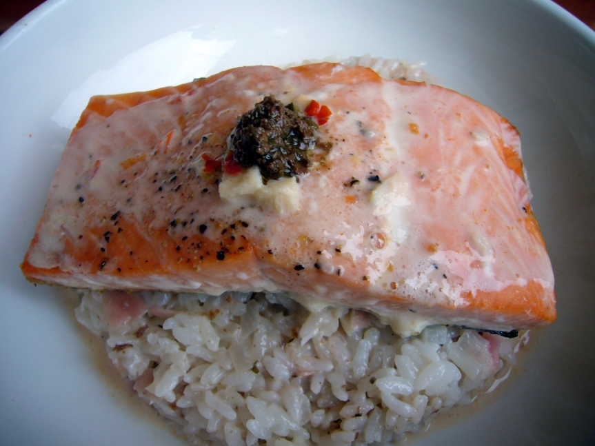 Salmon with creamy coconut -ginger sauce4
