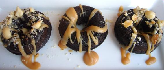 salted caramel doughnuts1